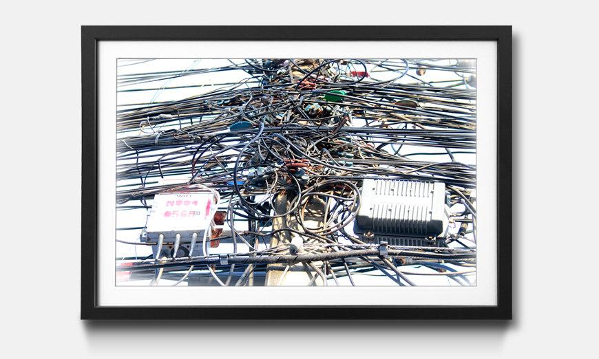 La reproduction encadrée Cable Chaos